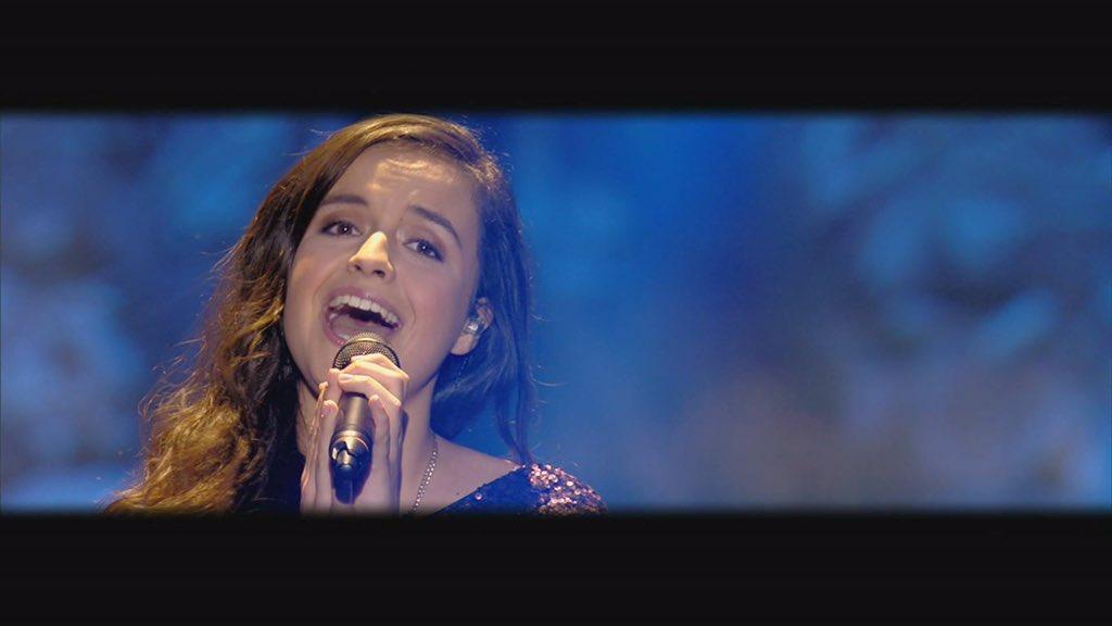 Retweet als jij ook kippenvel van het lied van Marthe kreeg. #k3zoektk3 https://t.co/9pL0M3hg7z