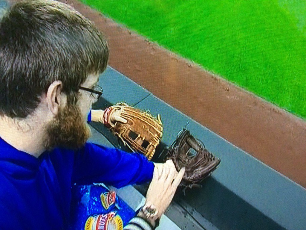 I haven't seen someone lie so bad about a glove since the OJ trial #ComeTogether https://t.co/DNm7IahhwB