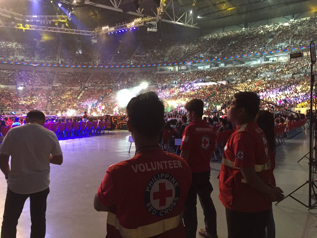 Today, we are not on standby mode, we are on ALERT! Remain calm and stay safe for #ALDubEBTamangPanahon https://t.co/oZR6iO2rzg
