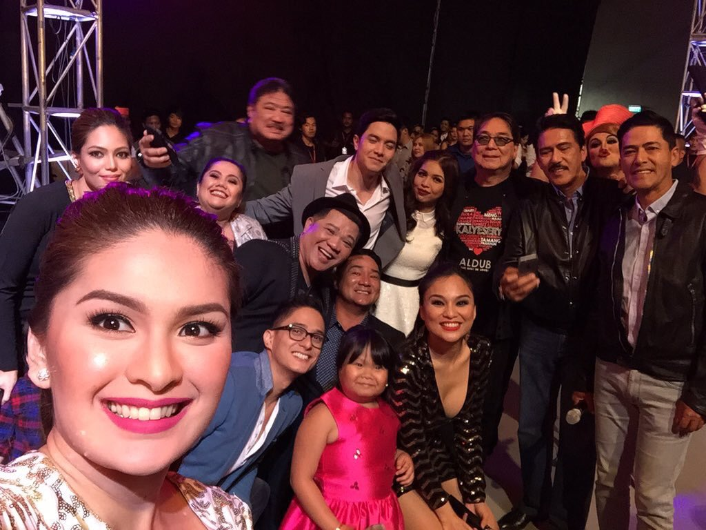 Let's make this photo the Most Retweeted Group Selfie in the Philippines! <3 #ALDubEBTamangPanahon https://t.co/Ax3eMf5Gy2