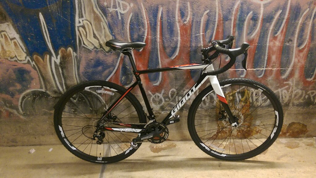 Saddest of days. Beautiful new cx bike stolen. Please spread far and wide, #bikedc and keep your eyes peeled!! https://t.co/TcxE9O44ru