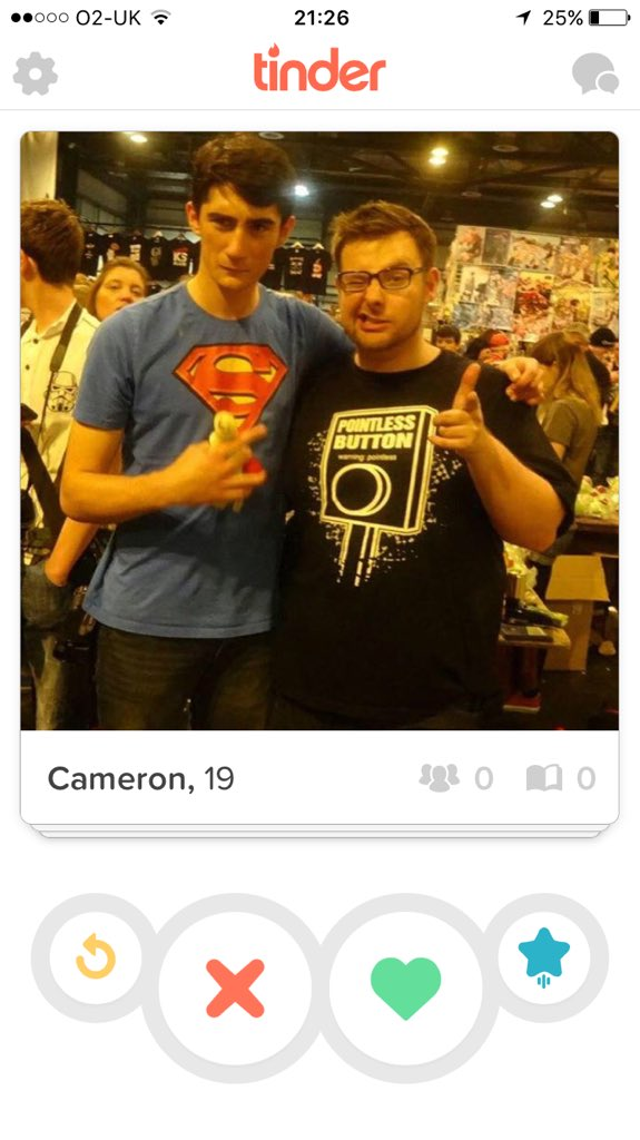 @thetomska found a fan of yours on tinder https://t.co/Ayaneyqi28