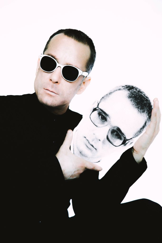 20.  October 24, 1995 @WBR released, our debut album, Return Of @TheRentals https://t.co/IeSmGzWL1U