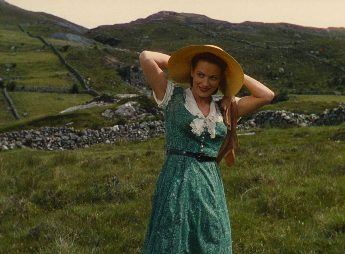 Rest in peace,  Maureen O'Hara.   [image from The Quiet Man] https://t.co/PtqbyECJEV