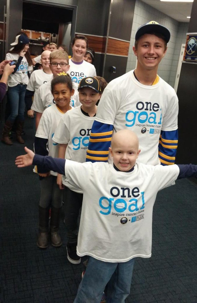 Matthew & the brave fighters from @CarlysClub can't wait for puck drop! @BuffaloSabres #HockeyFightsCancer https://t.co/kyZhKLvs6G