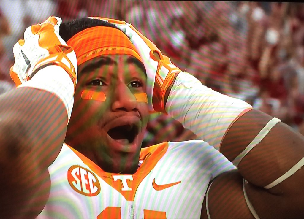 That moment right after your QB fumbles and A'Shawn Robinson picks it out of mid air to ice the game! #TENNvsBAMA https://t.co/fNYppniVEp