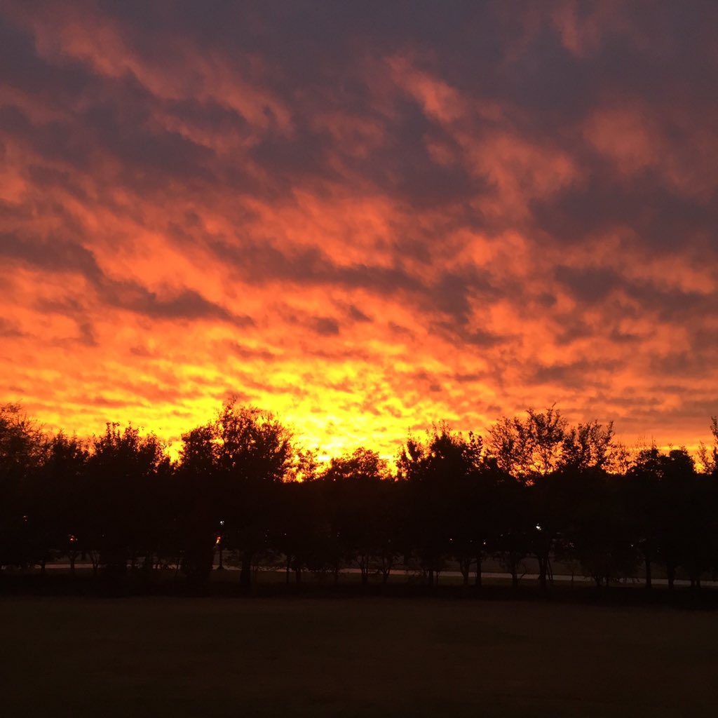 Beautiful #OSU orange sunset over Norman tonight, our thoughts & prayers to those affected today #StillwaterStrong https://t.co/IHBzKt4lwV