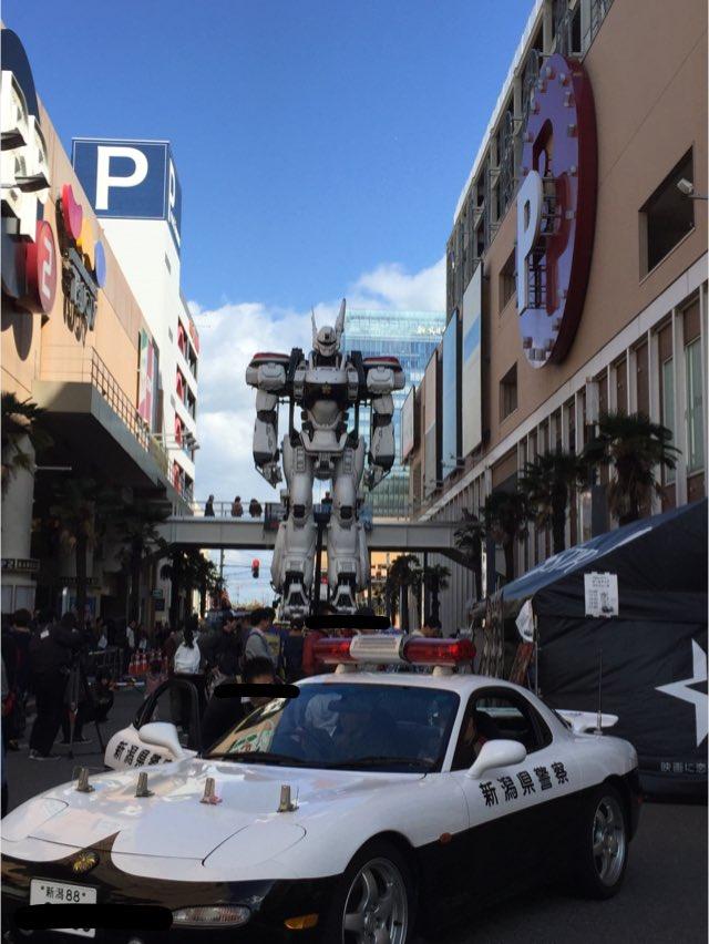 新潟県警からRX-7と特車2課イングラムの競演です! #がたふぇす https://t.co/GTCn734YFg
