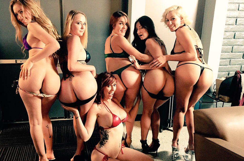 Did I tell you I love my job?! ??? #assgirl #doingthingsright #dpstars #girls #ass #bigbooty  #RT