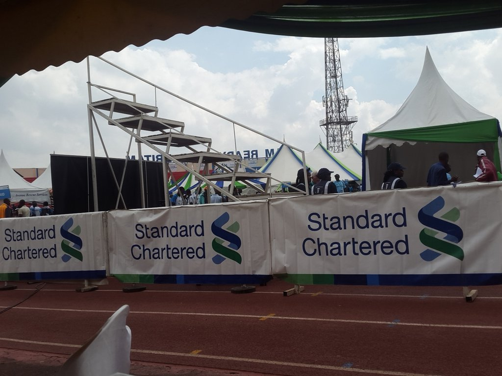 Young man arrested for cheating in the stanchart 2015 #NairobiMarathon. 2nd in marathon but entered with 1km to go https://t.co/swGMOuKXoA