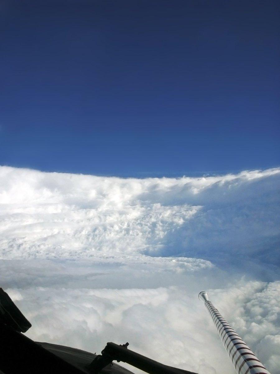 Ahora que estamos de tornados, así se vió el interior del Huracán Katrina desde un WP-3D Hurricane Hunter https://t.co/BnCSolkJ1g