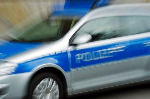 Bitte RT: #Polizei sucht Mann, der Mädchen in #Sillenbuch belästigt hat: https://t.co/z0WxAAm84O https://t.co/itT78k1n9b