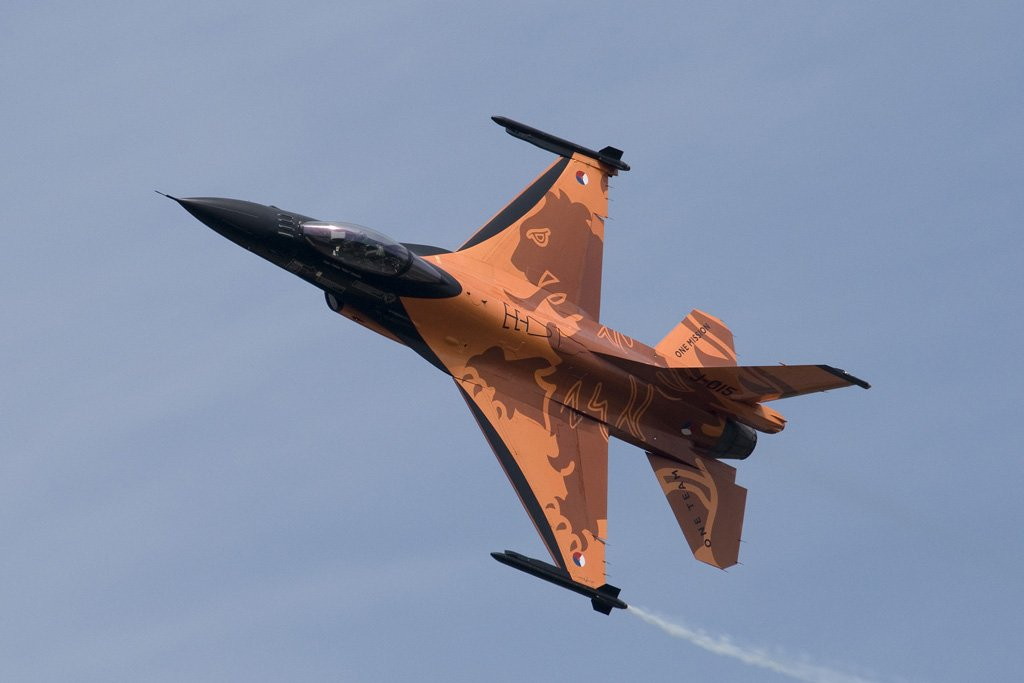 The Dutch RAF has beautifully painted F16s https://t.co/Ow8WKAusTH