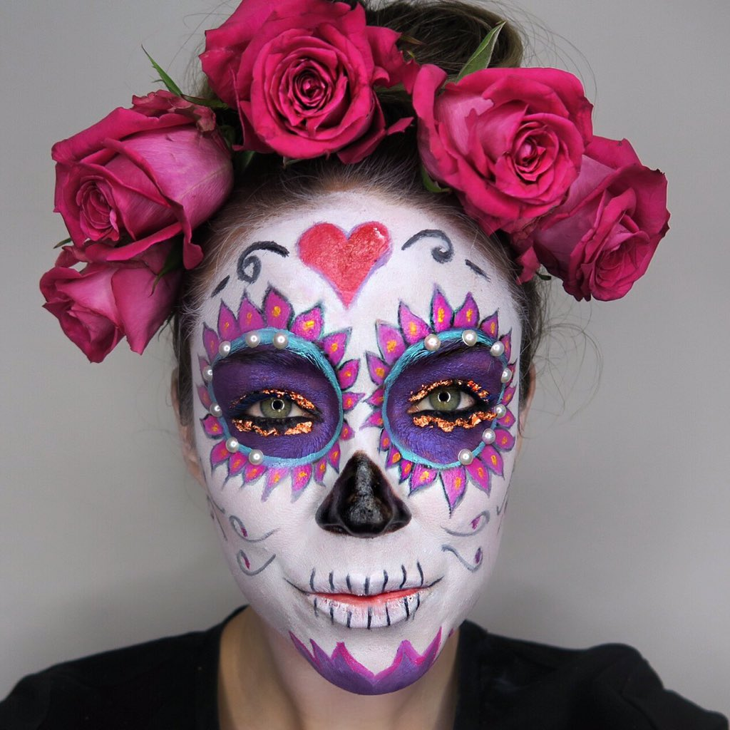 The final tutorial in my #Halloween series. The day of the dead Sugar skull! https://t.co/fMktXmjkfa #learnwithlisa https://t.co/H14rdA0HOR