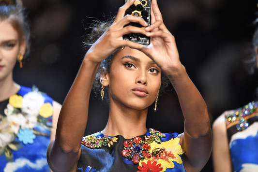 Prepare to become (even more) selfie obsessed, thanks to @Instagram's new app: https://t.co/a6QuiFIoiZ https://t.co/k3hddQm3ff