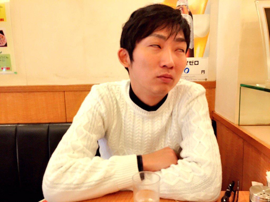 白好き過ぎて目まで白くなってますよ、石田さん https://t.co/8Ie1OVWio3