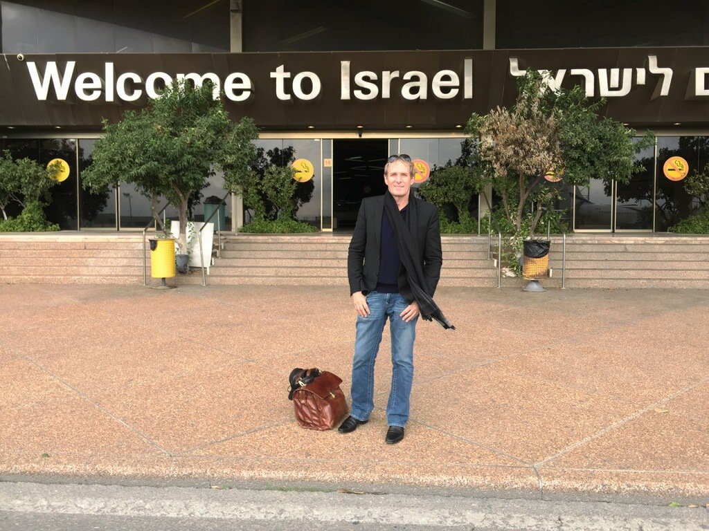 Hello from Tel Aviv!!! It's my first time in Israel and I'm excited to be here, even though it's a short trip. https://t.co/qGH4Om5Vmj