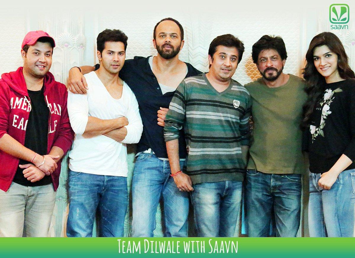 Thanks @sonymusicindia @RedChilliesEnt for the meet with stars of #Dilwale @iamsrk @kritisanon @Varun_dvn #SRK https://t.co/pborUh9TFK