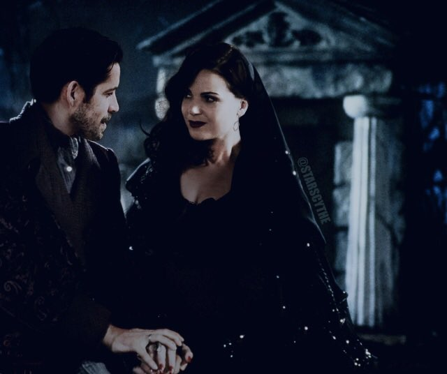 #OutlawQueen Morticia & Gomez - Addams Family #Manip for Halloween