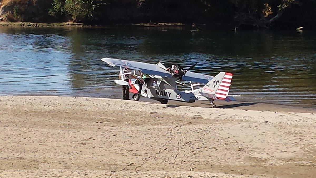 RT BreakinNewsBoy Breaking Plane makes landing at