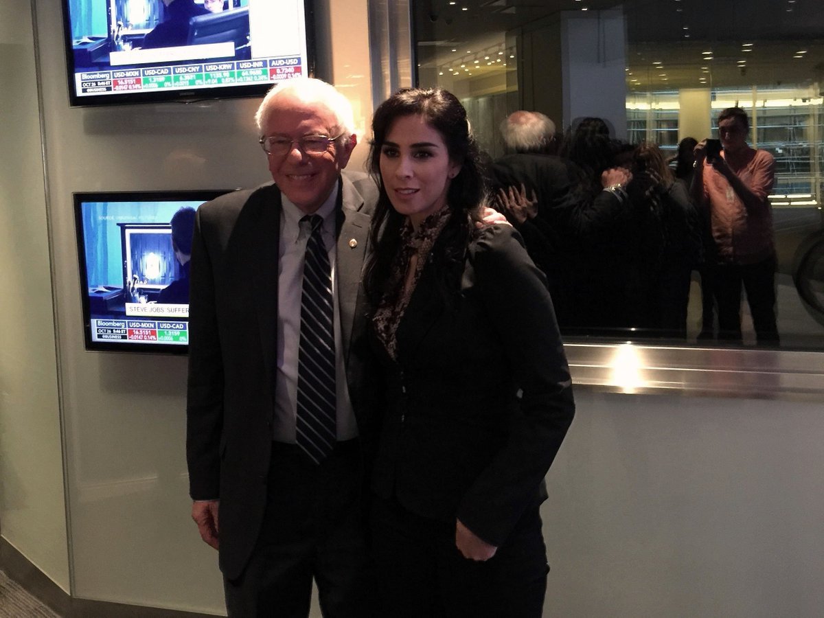 A chance meeting outside the @charlierose studio! Tune in to @PBS tonight to see @SenSanders for the full hour. https://t.co/SXfnYgUlTe