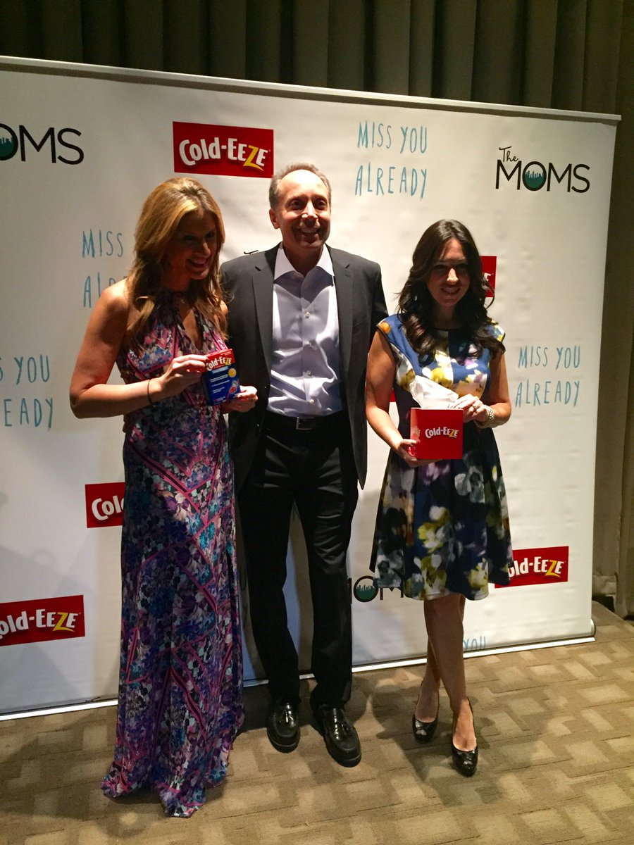 Behind the scenes at the #ColdeezeMOMS MAMARAZZI® with @themoms ... Share your pics with us! https://t.co/919GtujRKp