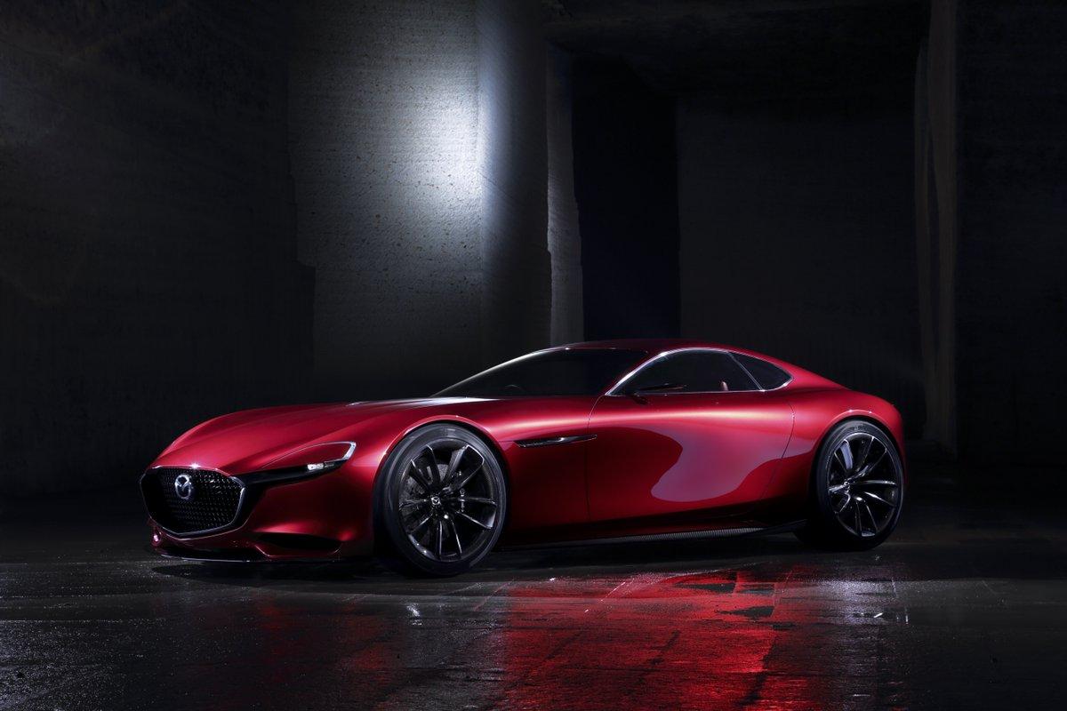 コンセプトカー「Mazda RX-VISION」世界初公開。ロータリーエンジン「SKYACTIV-R」搭載の、マツダの夢を表現したモデルです⇒https://t.co/PAwUVCJZpg #TMSMazda #44thtms https://t.co/7nudz2qbaF