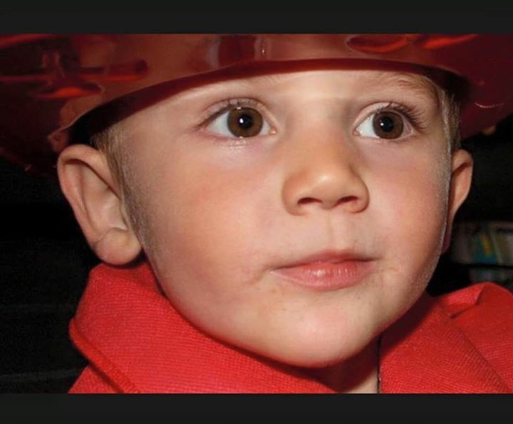 Thx for the bday wishes, my one wish is more retweets than ever for 4 yr old William Tyrelrell #Wednesdaysforwilliam https://t.co/q4cuxWZ6Fs