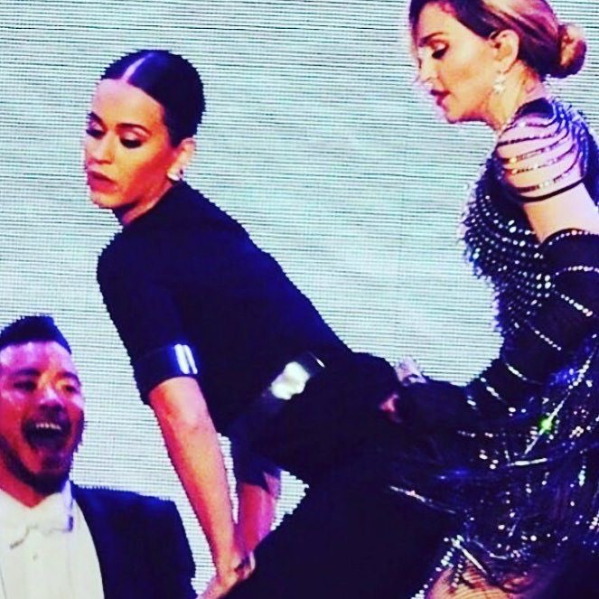 Best Unapologetic bitch ever! Thank you Katy! Thank you L.A. ❤️ #rebelhearttour https://t.co/JsEg3jbWD0