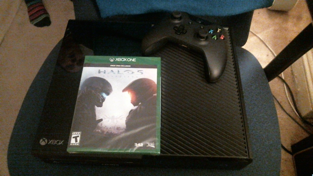 My Team got me a XBOX ONE!! I came home from work to an amazing surprise package!! I love you guys so much! TY TY TY https://t.co/VTM5wGCGET