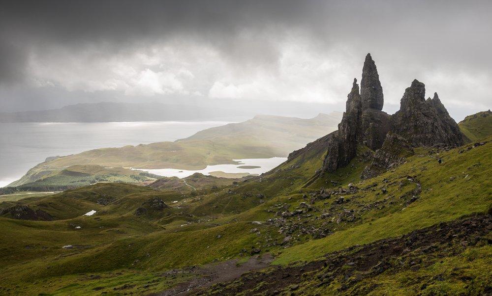 #Scotland's land of poets & warriors: Isle of #Skye https://t.co/06r2d37teA #ttot @welcomescotland @Scotland_West https://t.co/hTZ6kcAmB5