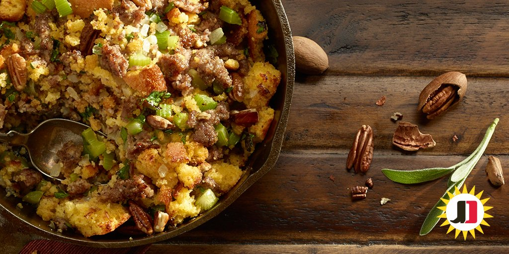 Your family will crave more of this #sausage cornbread stuffing on #Thanksgiving: https://t.co/HS6nosjDv6 https://t.co/X4PvvE7oo9