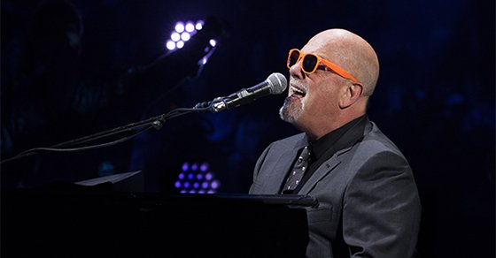 Billy to sing National Anthem at Game 3 of #WorldSeries this Friday, October 30!https://t.co/VN1kH96WeO https://t.co/4k7qAYY7p6