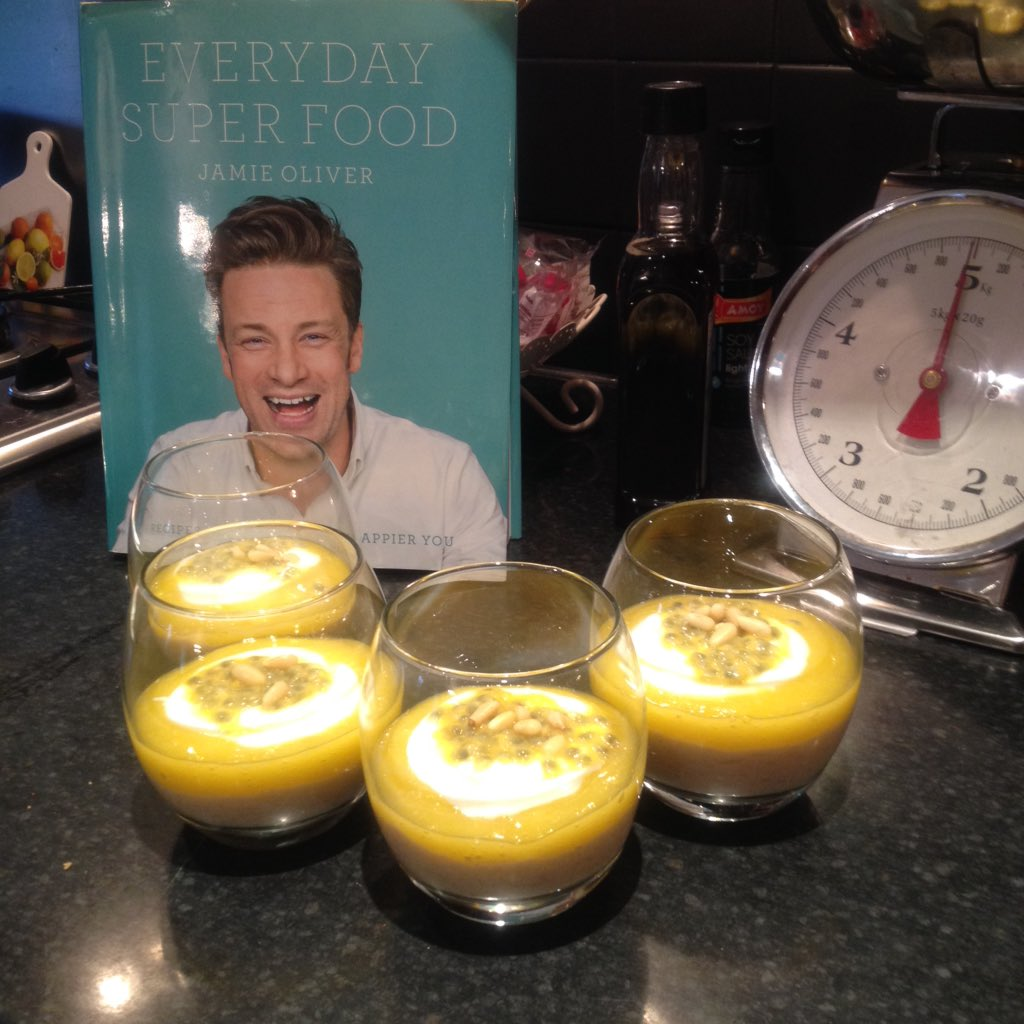 RT @laurafhbrown: @jamieoliver just made our superfood rice puddings ready for breakfast tomorrow ???????????? https://t.co/HJZvKQNgZA