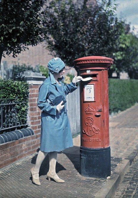20 color photographs of England during the 1920s https://t.co/GoT3lQg3ZZ | @DangerMindsBlog rt @matthiasrascher https://t.co/QBUUDsZULr