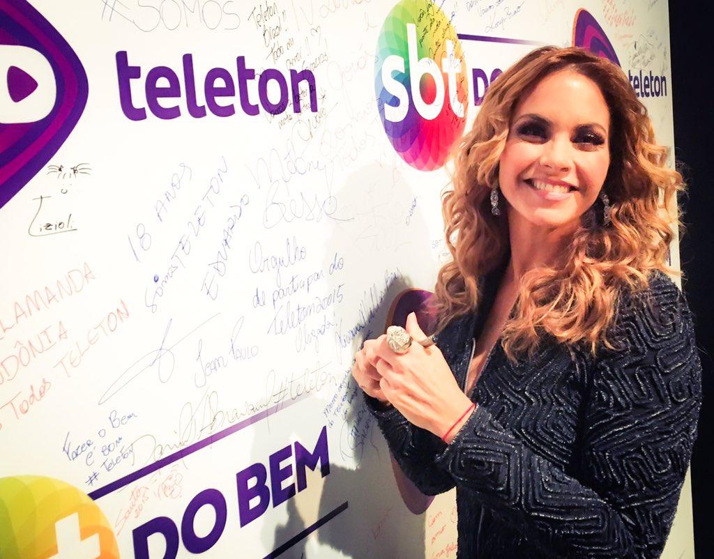 Confirmada la presencia de @LuceroMexico en la Teleton de Ecuador en Quito el 28 de noviembre https://t.co/G8RGQSYsSN