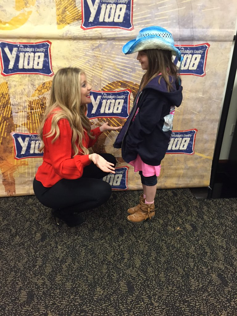 @Lauren_Alaina sings it all, even the Doc McStuffins theme song! #GirlsWithGuitars #Y108 https://t.co/W1cdJ4Ksqx