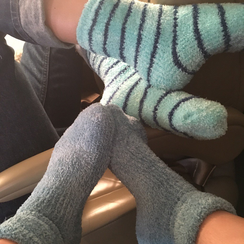 To love me is to accept all of me AND my fuzzy plane socks. https://t.co/Sao9TI9QkC