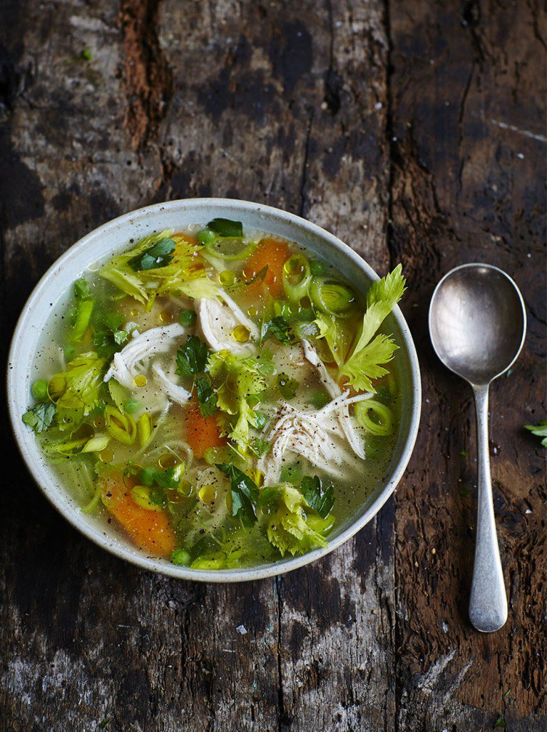 #recipeoftheday my healthy and super satisfying poached chicken and vegetable soup https://t.co/yYCEDswoMC https://t.co/IbhISgj7FL