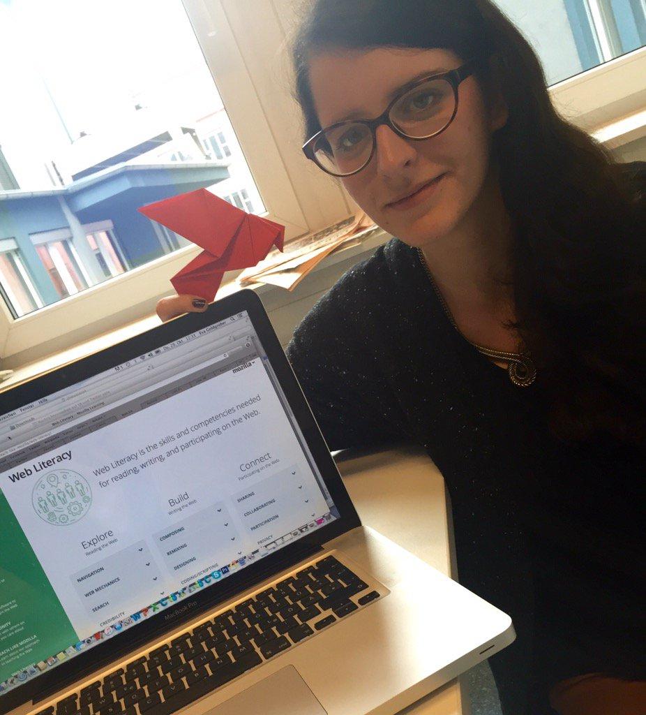 Mein digitaler #Zugvogel ist #webliteracy   Danke @heinz dass ich das Vögelchen nicht selbst falten musste ;) https://t.co/RoaaarFyAV