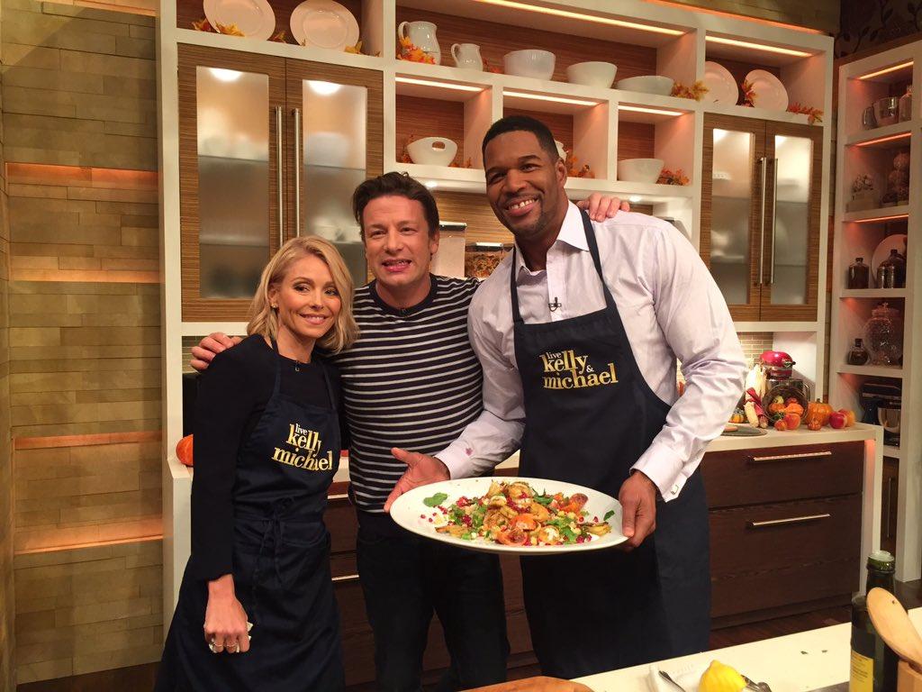 RT @KellyandMichael: For @jamieoliver's Sizzling Moroccan Shrimp, Couscous & Rainbow Salsa recipe: https://t.co/sDEviZqcud https://t.co/Xwf…