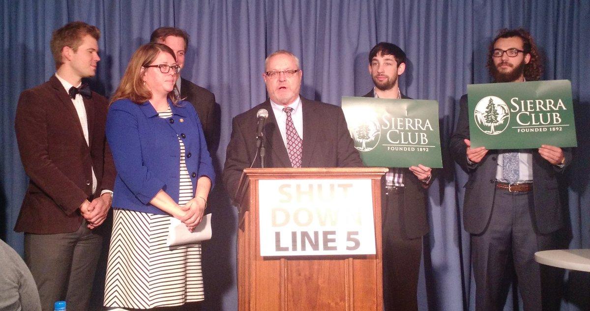 RT @michigansierra: We are calling for the shut down of Enbridge's pipeline through the Mackinac Straits! https://t.co/NtuI0qv0G6 https://t…