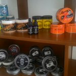 Pomade tersedia juga di distro HOUT jl. M Yamin depan Dorange cafe (unmul) PKS #GratisSisir https://t.co/aWavZnOjyX