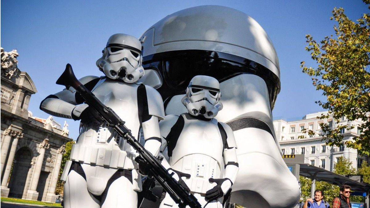 Ocho réplicas gigantes de los cascos de Star Wars en las calles de Madrid https://t.co/PMANarbEqw https://t.co/4xBsaXeKL3