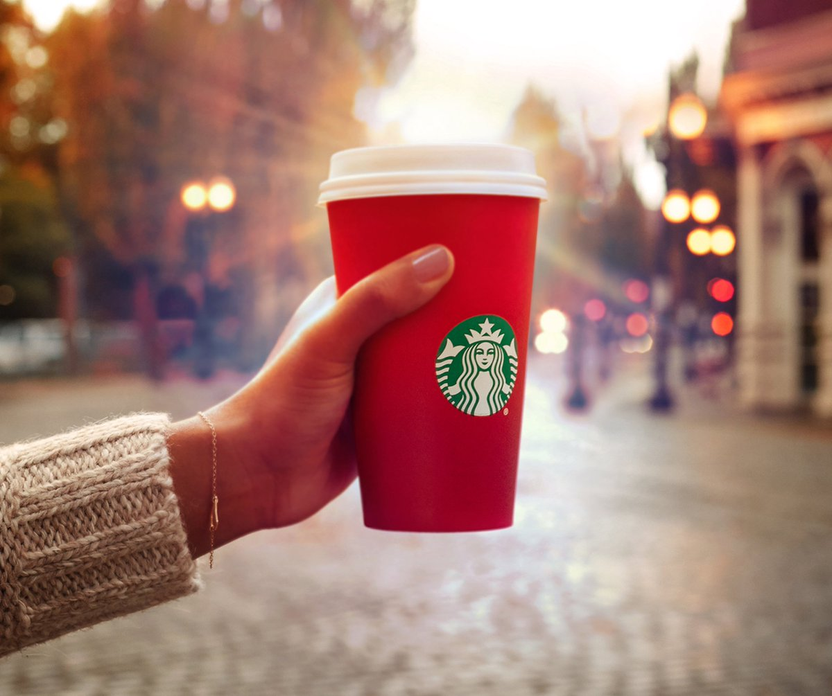 Oh hello, #RedCups Welcome back. https://t.co/eHfllRdLDt