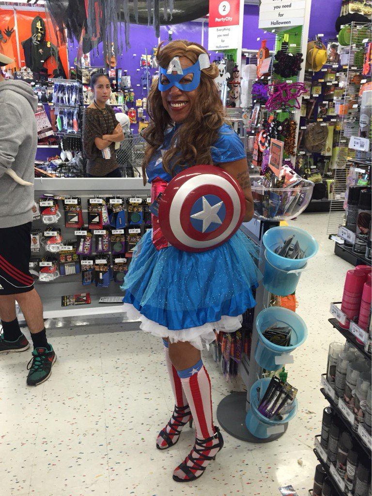 #CaptainAmerica is for all! @marvel #comics #diversity #halloween2014 https://t.co/TEc4xkytL1