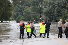 New Braunfels declares local state of disaster https://t.co/VdAkAZaiOe via @statesman #floods #txwx https://t.co/3DqXT17RWo
