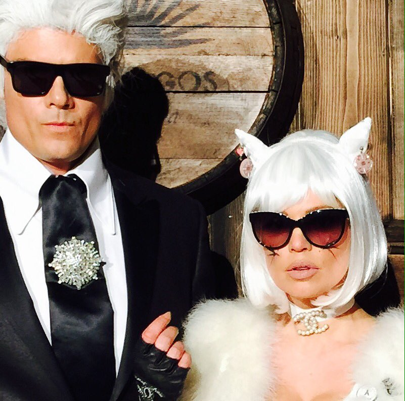 Karrrrrrrlllll and choupette... ooh la la... #chanel #funhalloween https://t.co/B9gN0fEunj https://t.co/NBZNWqDMH9