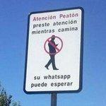 ¿Crees que sería beneficioso poner esta señal en las calles de tu ciudad? 😂😂😂 https://t.co/j8sVPs4jiG