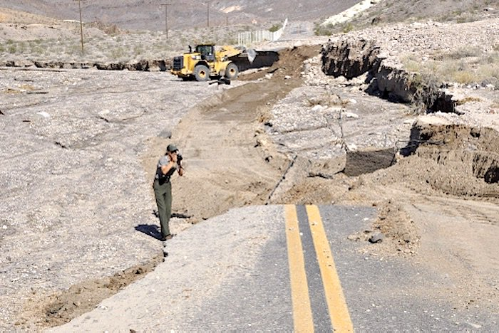 """Trivia fans: """"Death Valley by the Numbers"""" in the wake of this month's historic flooding.  https://t.co/RFNve6OBOa https://t.co/GxaDjQ1Jji"""